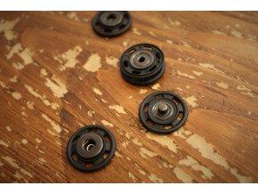 Pogumované patenty, 22 mm