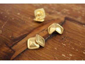 Zlatý manžetový knoflík
