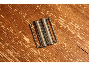 Spona tmavý kov, 40mm