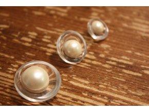 Asymetrický knoflík s perlou, design Armani