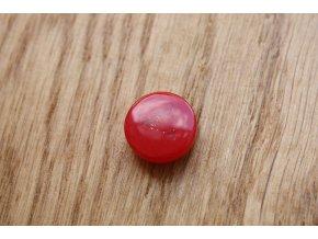 Červený plastový knoflík- design Valentino