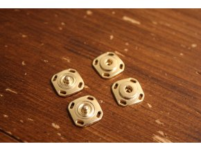 Zlaté hranaté patenty, 15mm