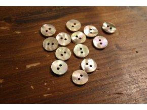 Dvoudírkový perleťový knoflík, 2 velikosti