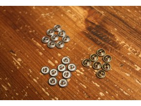 Kovový dvoudírkový knoflík, 9mm