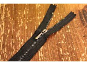 Jemný černý zip s tmavým kovem, 14cm, 20cm, 25cm, 50cm, 60cm, 80cm