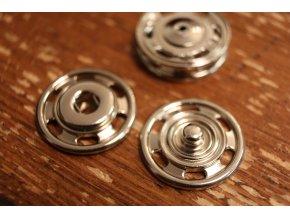 Kovové patenty, 22,9 mm