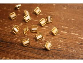 Zlatý knoflík s perleti, 11mm