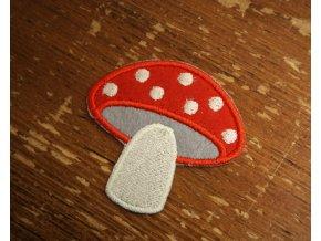 Aplikace ve tvaru houby