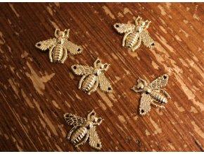 Kovová našívací aplikace ve tvaru včely