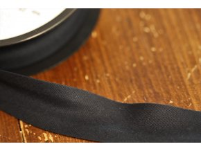 Černý bavlněný šikmý proužek 25 mm