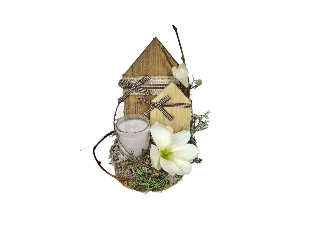 Dřevěný svícen s domečky a svíčkou přírodní 30 cm