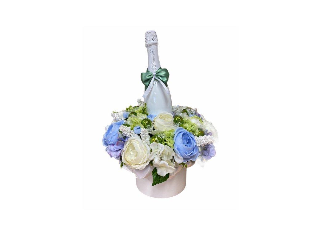 Květinový box z pryskyřníků modrý větší s Lindt bonbóny a sektem 47 cm