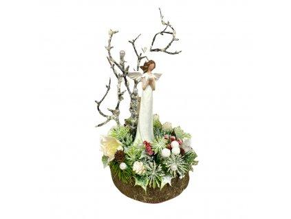 Zasněžená dekorace na dřevě s andělem v dárkovém boxu se zlatou mašlí 24 cm