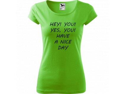Ručně malované triko světle zelené s černým motivem - Hey you!