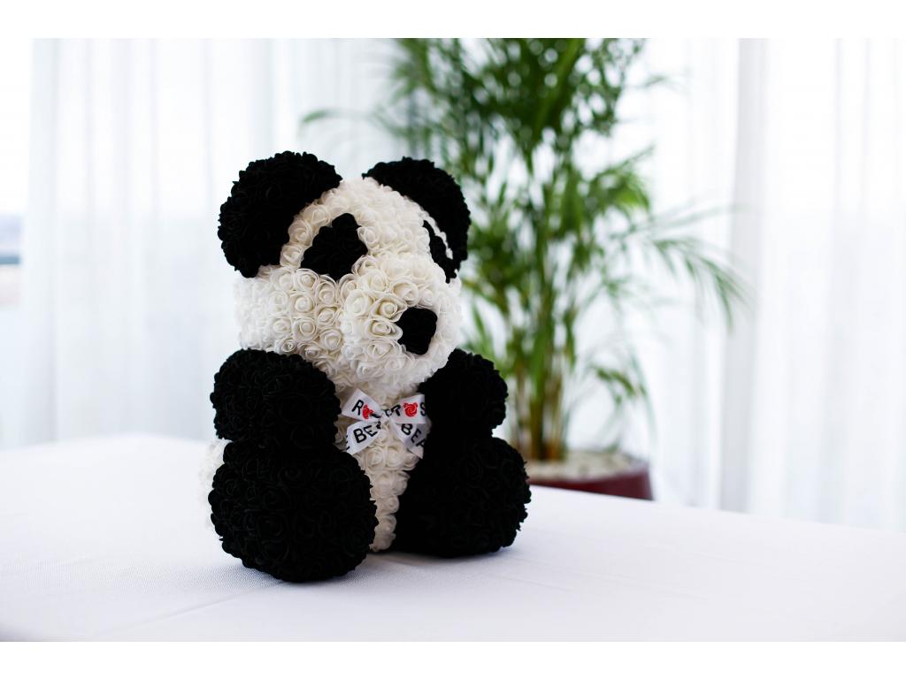 Panda medvídek z růží se stuhou