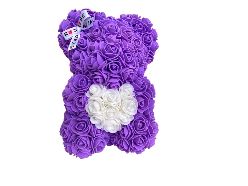 Fialový medvídek z růži s bílým srdcem