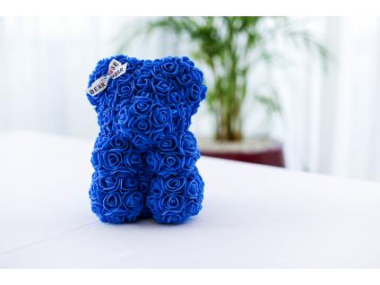 Modrý medvídek z růží se stuhou
