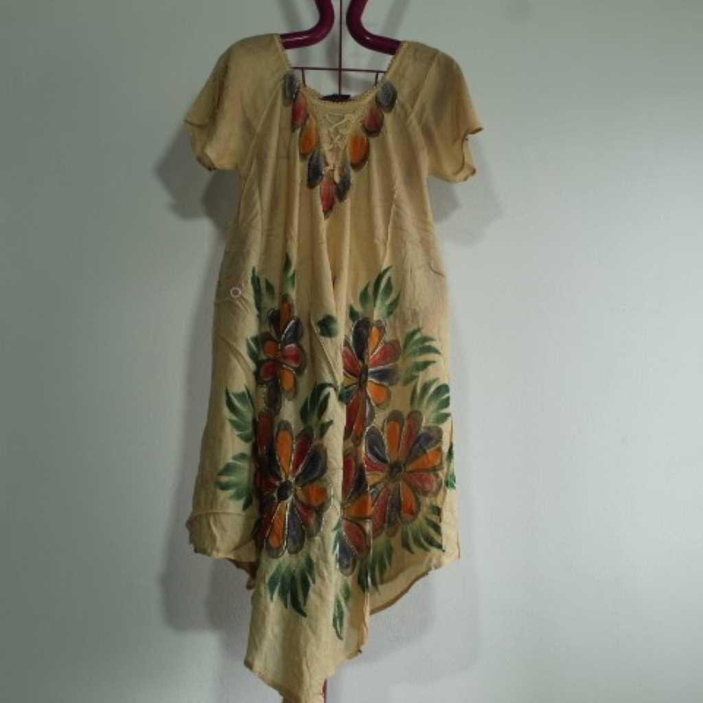 Batikované šaty květy krémové