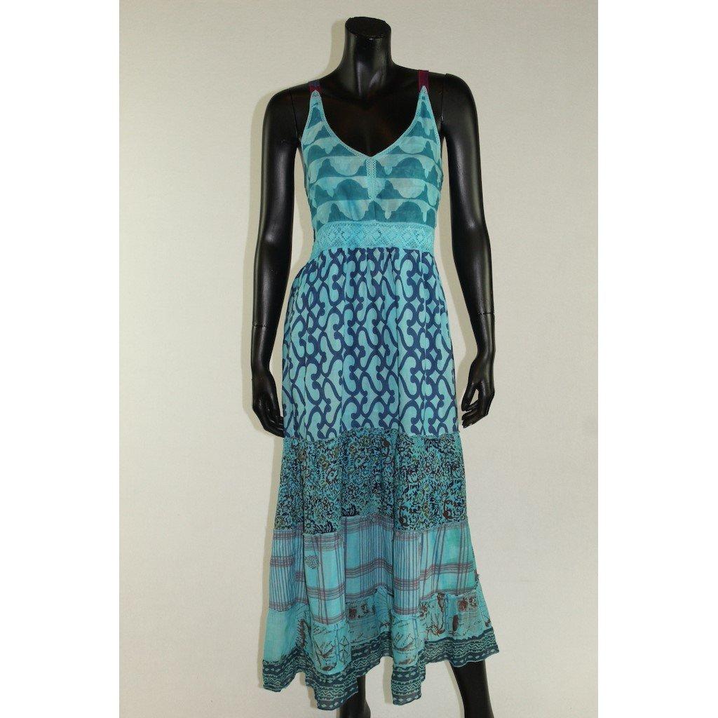 šaty na ramínka světle modré