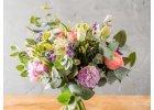 Kytice z lúčnych kvetov