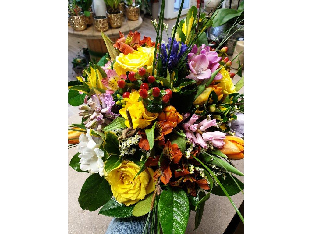 kytica farebných kvetov