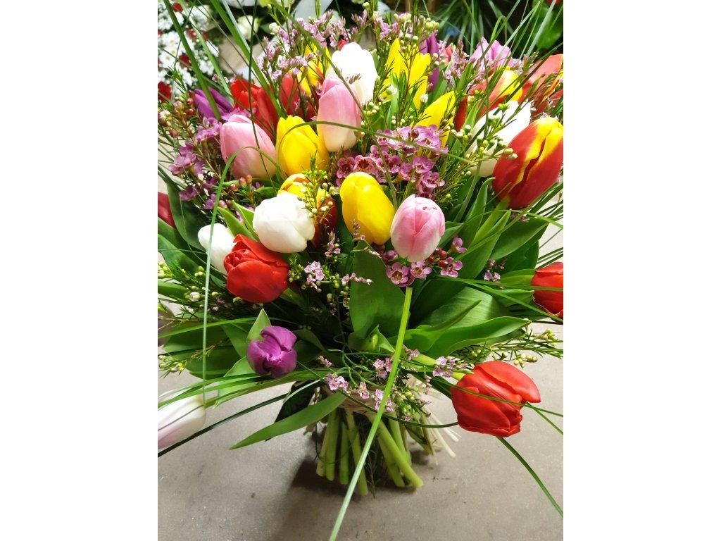 kytica z tulipánov