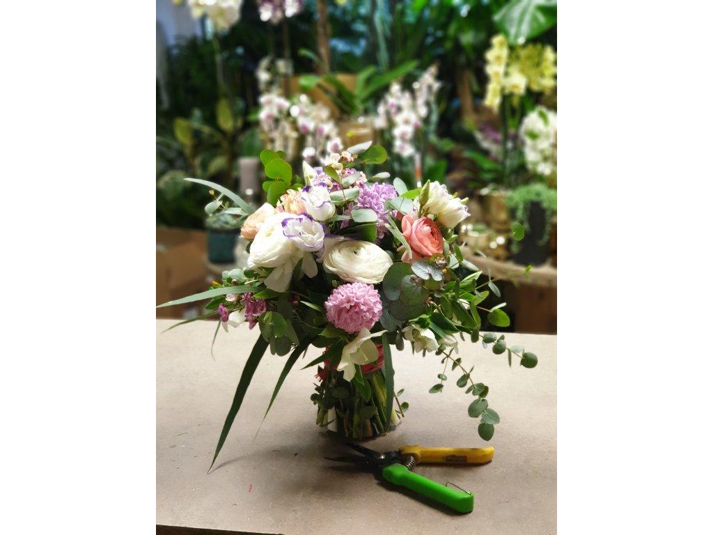 kytica jarnych kvetov