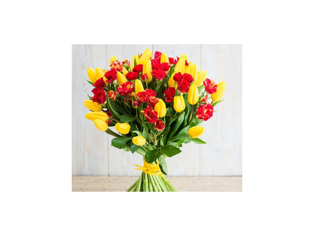 kytica tulipány a ruže