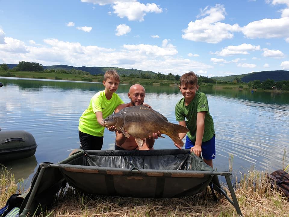 Prázdninové rybaření s juniorama v Maďarsku