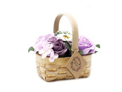 Mýdlová kytice v proutěném košíku  131 g