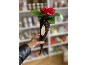 Mýdlová růže v kónickém proutěném držáku 1ks