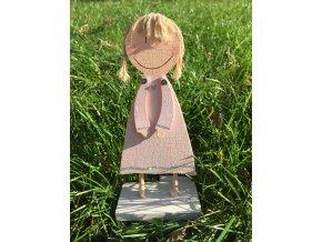 Dřevěná figurka holčička 21,5 cm