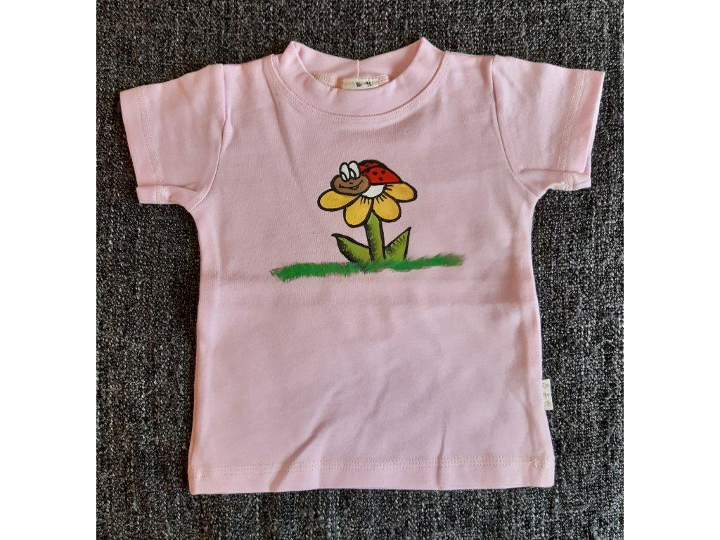Ručně malované tričko - beruška na květině