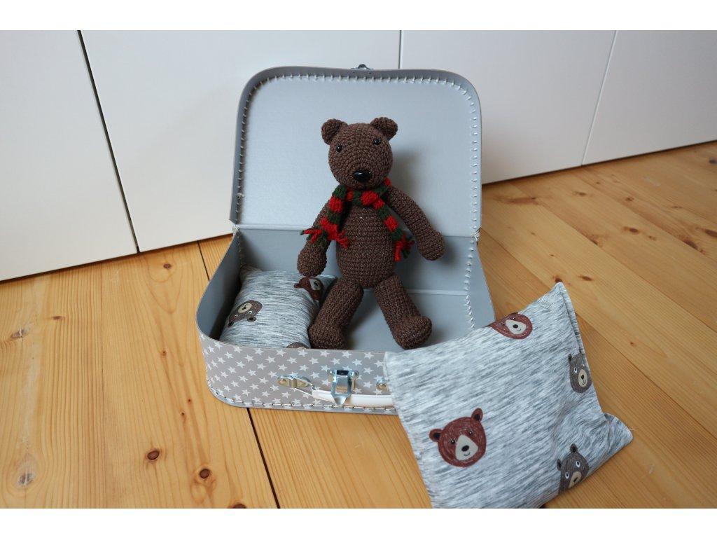 Medvídek velký se šálou v kufříku
