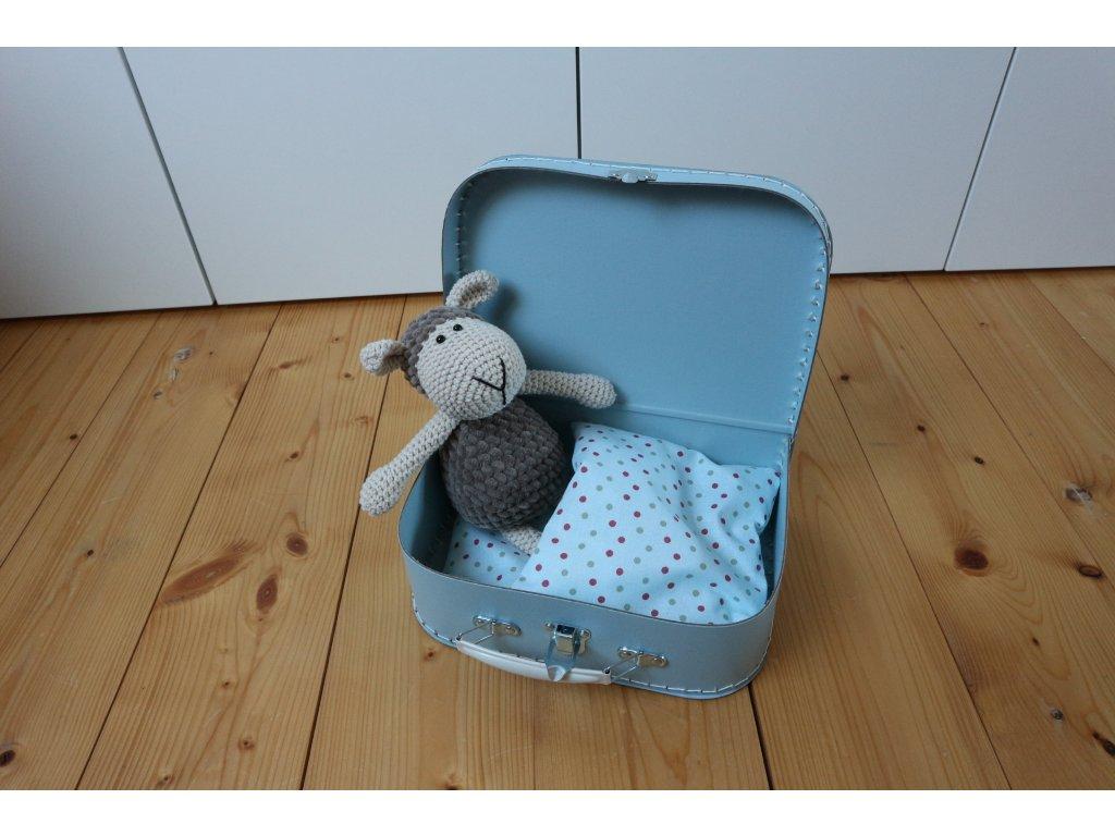 Ovečka hnědošedá v modrém kufříku