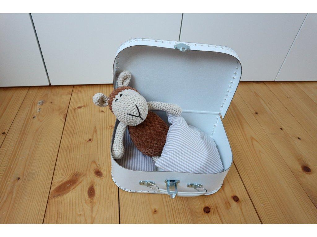Ovečka medová v bílém kufříku