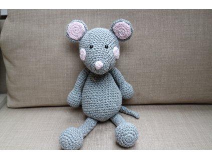 Myška střední šedivá