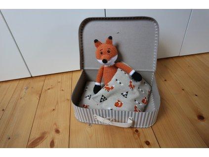 Liška v kufříku proužek