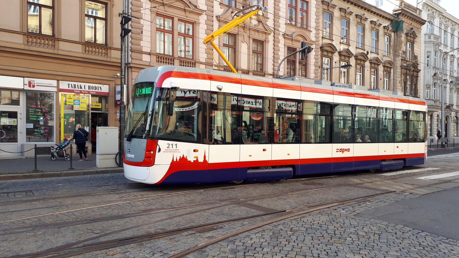 Darovali jsme roušky řidičům DPMO Olomouc