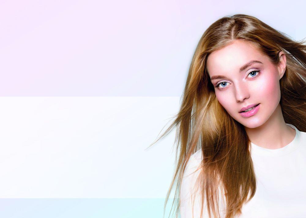 Mladý vzhled a péče. Proč je potřeba hydratovat pokožku?