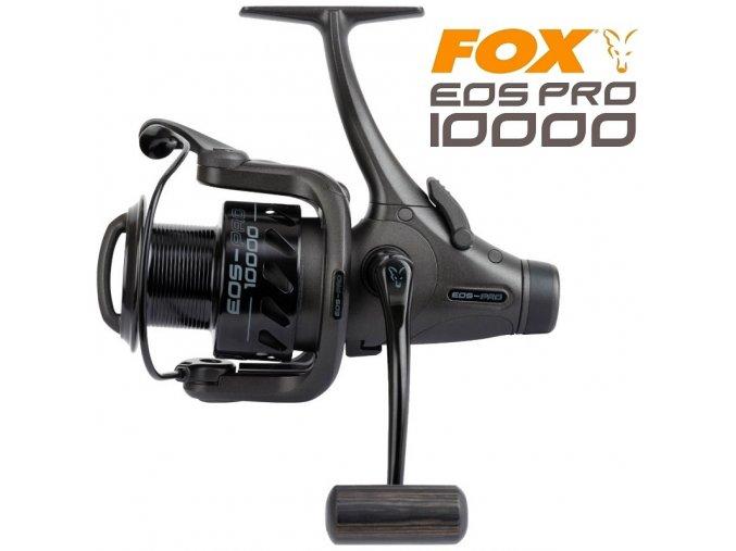 Naviják FOX EOS 10000 Pro s volnoběžnou brzdou, 9 ložisky, odolnou konstrukcí a kovovou cívkou s dostatečnou kapacitou pro lov kaprů na vyvážku a daleké nahazování.