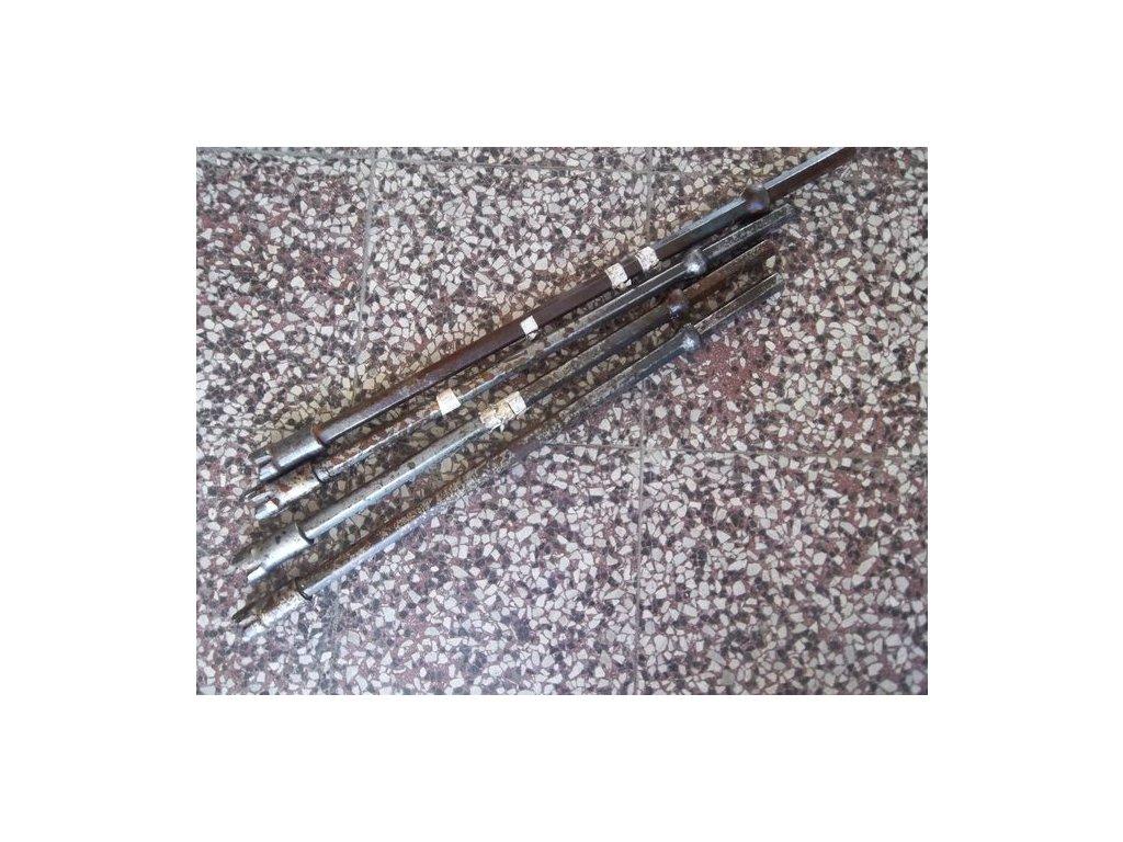 Vrtací tyče s korunkami 2ks, 7 ks různých tyčí bez korunek