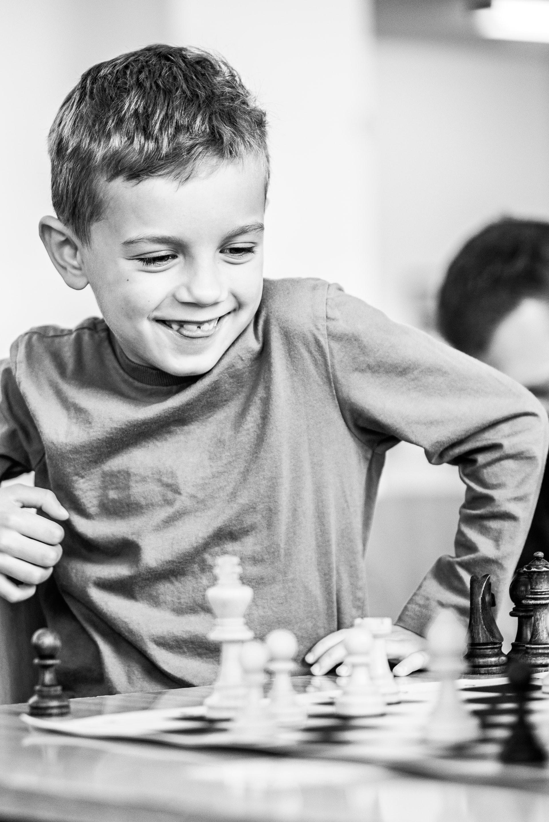 Šach pre deti. Ako na to, keď chceme skúsiť hrať šachy?