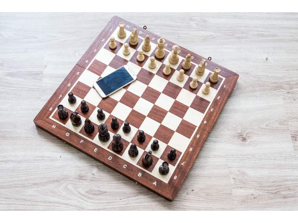 Drevené turnajové šachy
