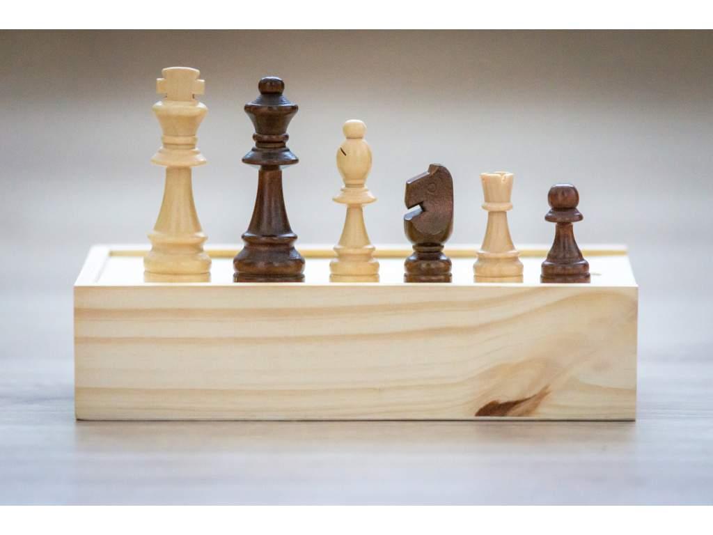 Drevené šachové figúrky klasik veľké v krabičke  + doprava zdarma