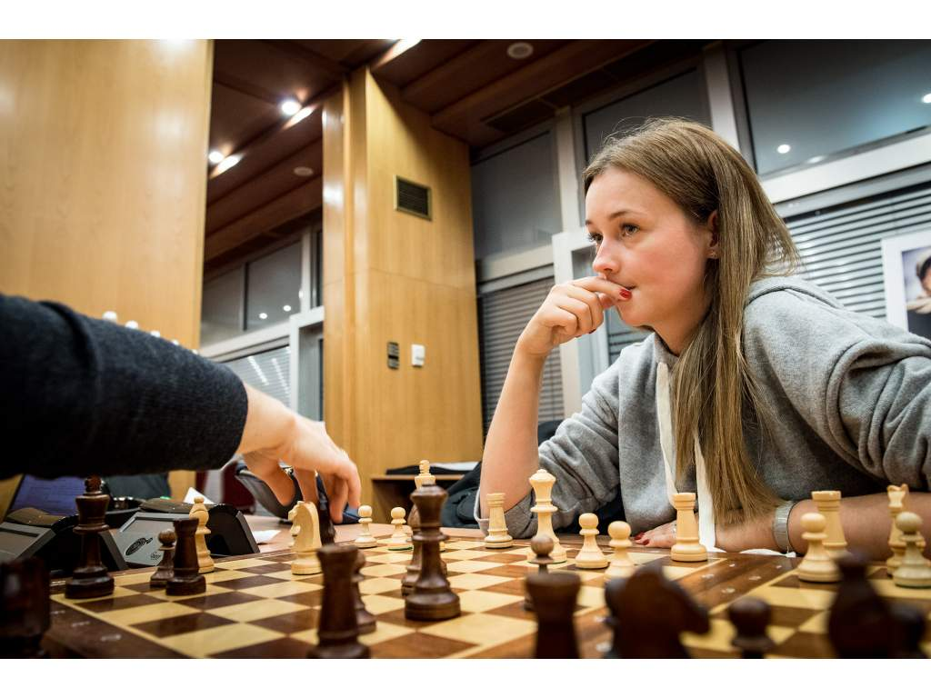 Drevená šachová súprava Staunton (Farba šachovnice Hnedo-biela)