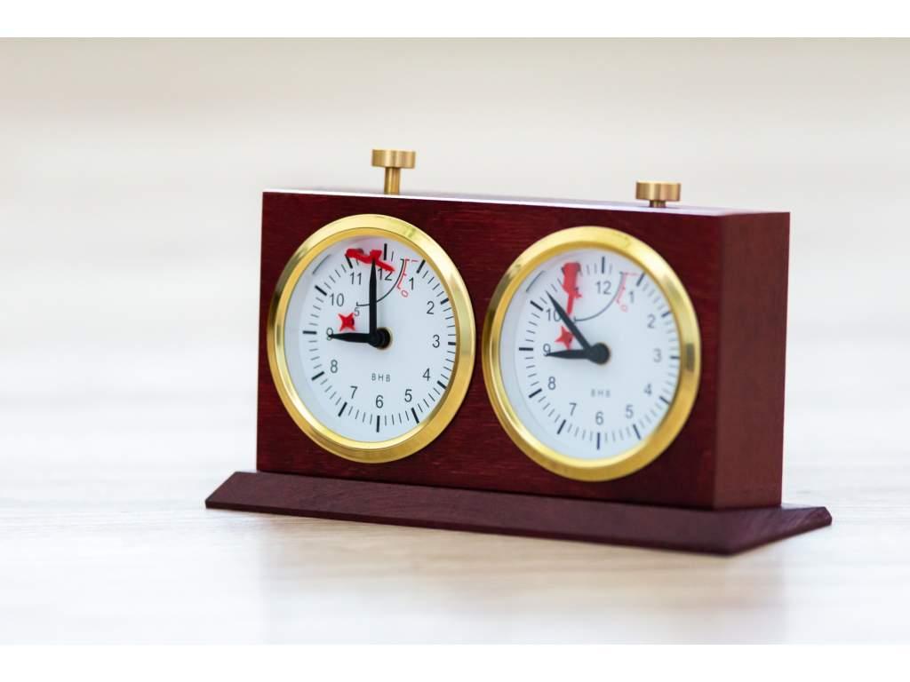 Analógové drevené šachové hodiny