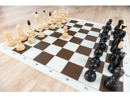 Česká šachová súprava klubovka s rolovacou šachovnicou (Farba šachovnice Hnedo-biela)