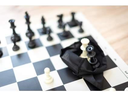 Krabičky a vrecuška na šachové figúrky