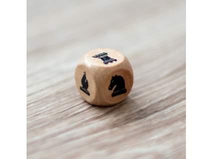 Drevená šachová kocka